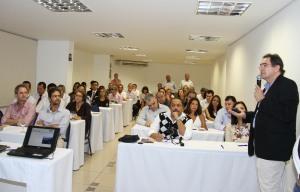 O crítico Márcio Oliveira conduziu com a elegância de costume uma palestra bem didática sobre a região.